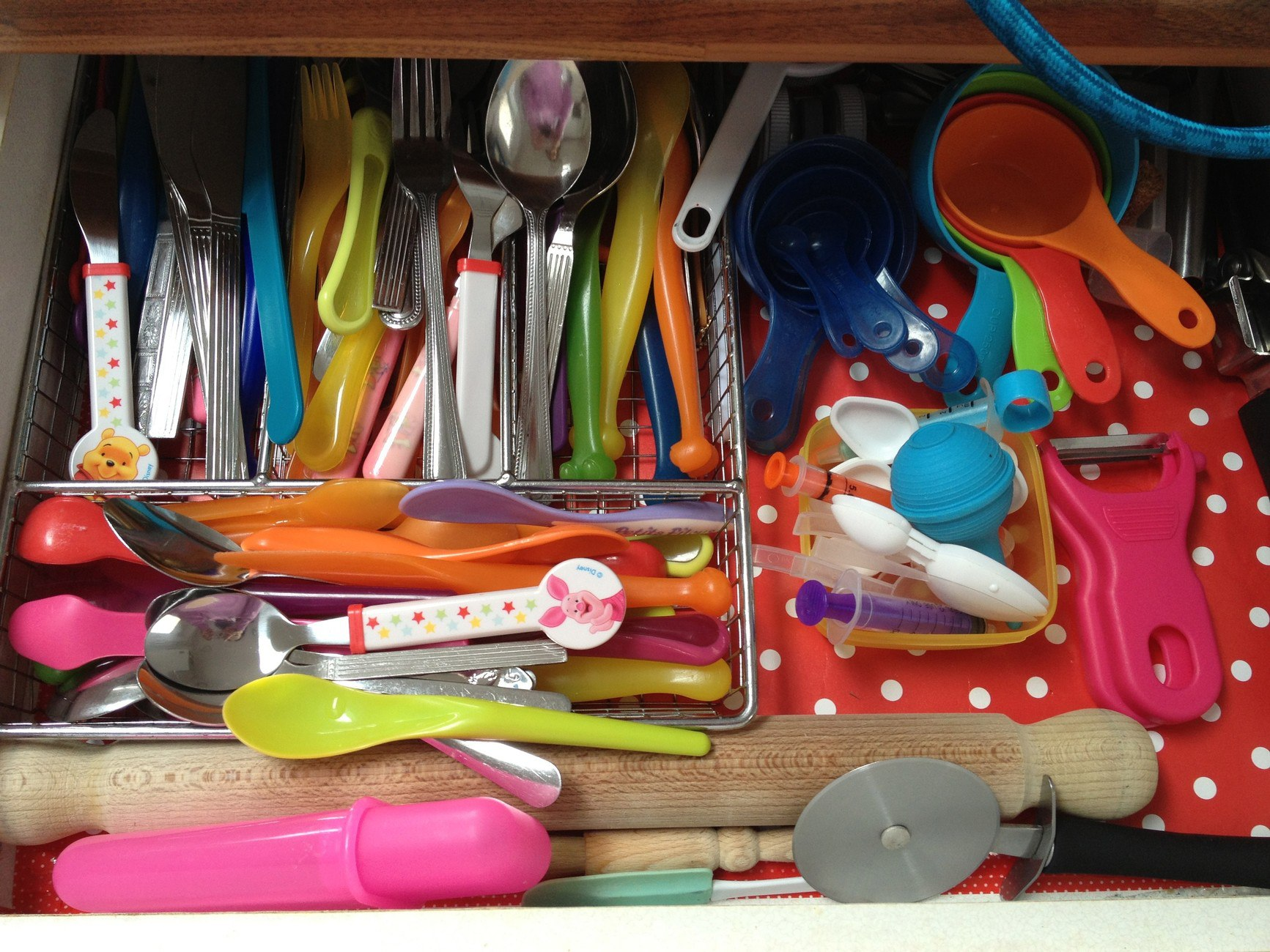 Organising the cutlery drawer